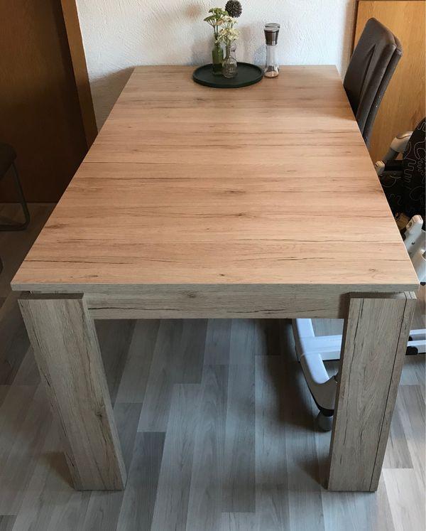 schöner ausziehbarer Esstisch zu verkaufen