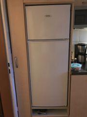 Kühlschrank- Gefrierschrank Kombination