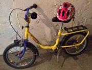 Kinderfahrrad und Fahrradhelm