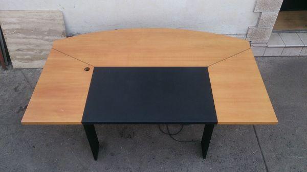 Grosser büro schreibtisch  Großer Büro-Schreibtisch massiv mit Kabelkanal Designertisch in ...