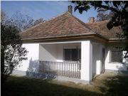 Ungarn: Saniertes Haus