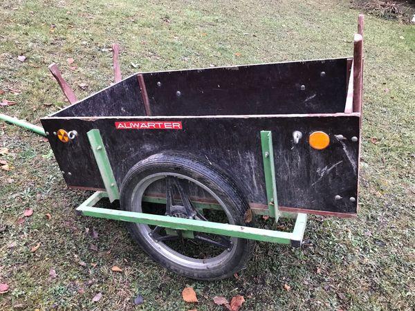 Anhänger Auwärter - Weissach Flacht - Verkauft wird ein gut erhaltener Anhänger von der Firma Auwärter. Er ist sehr Robust und lässt sich von beiden Seiten öffnen. Er ist perfekt für kleinere Gartenarbeiten und kann mit einem Traktor gezogen werden. Er ist auch schnell  - Weissach Flacht