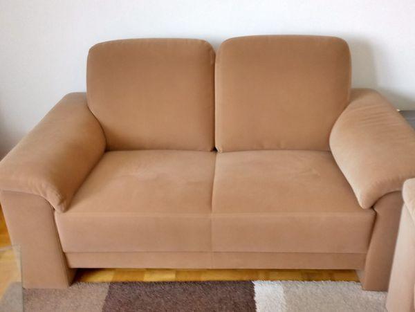 Super Gunstig Sehr Schon 2 Sofas 2 5 Bis 3 Sitzer Und 2 Sitzer