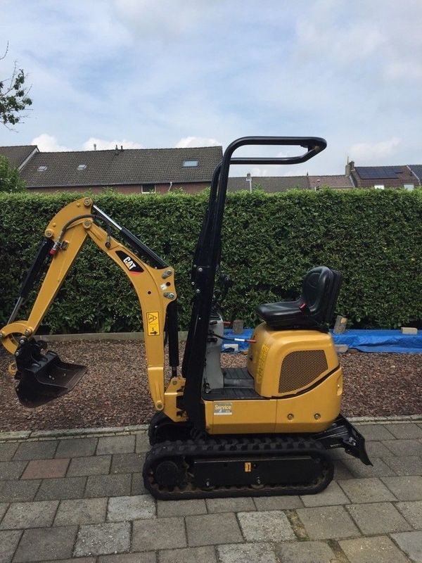 microbagger minibagger caterpillar cat 300 9d in. Black Bedroom Furniture Sets. Home Design Ideas