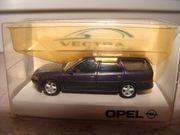 Opel Vectra Caravan dunkelblau - HERPA-Modell
