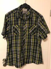 4 Oberteile Hemden