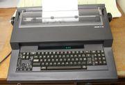 Olivetti ET221 Schreibmaschine