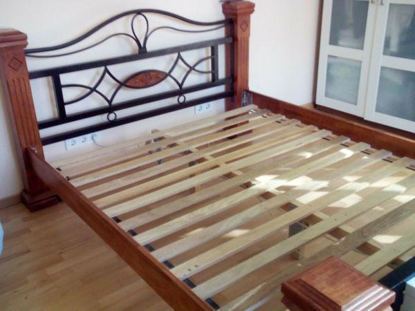 Bett 160x200 Holz Und Gusseisen Top Zustand In Berlin